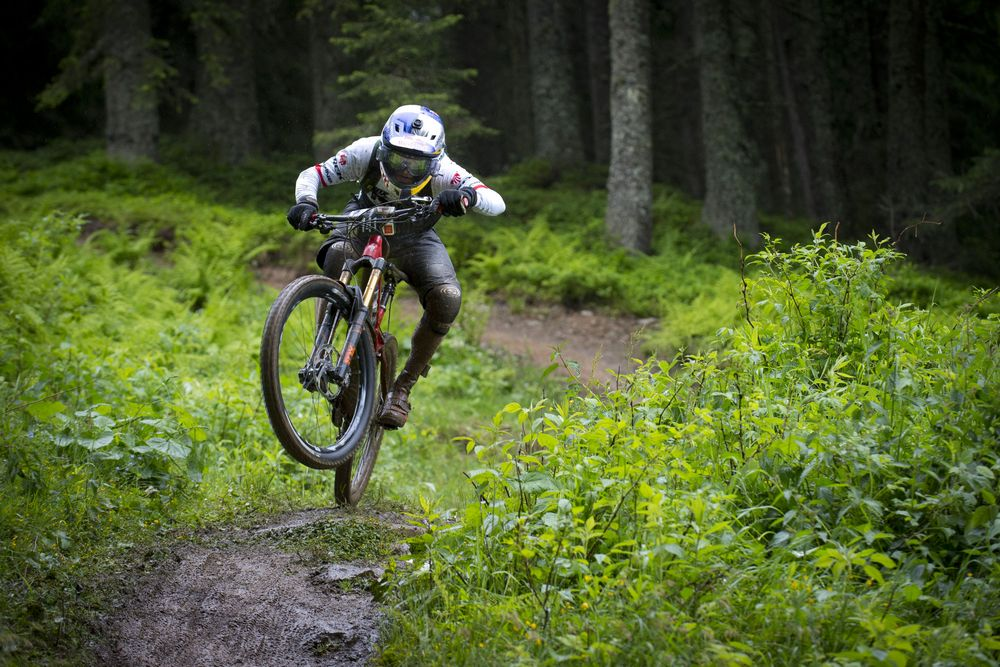 Mud fun and action in Kirchberg – Anneke Beerten (NED) and Jérôme Clementz (FRA) first ever European Enduro Champions