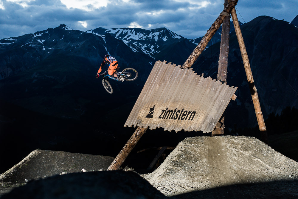 Dates and Become a Knight contest announced for the Suzuki Nine Knights MTB 2015 in Italy