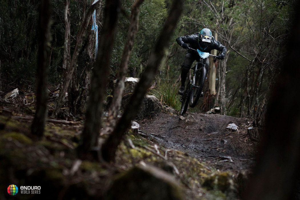 Enduro World Series 2017: Isabeau Courdurier i Adrien Dailly wygrywają drugą rundę w Tasmanii