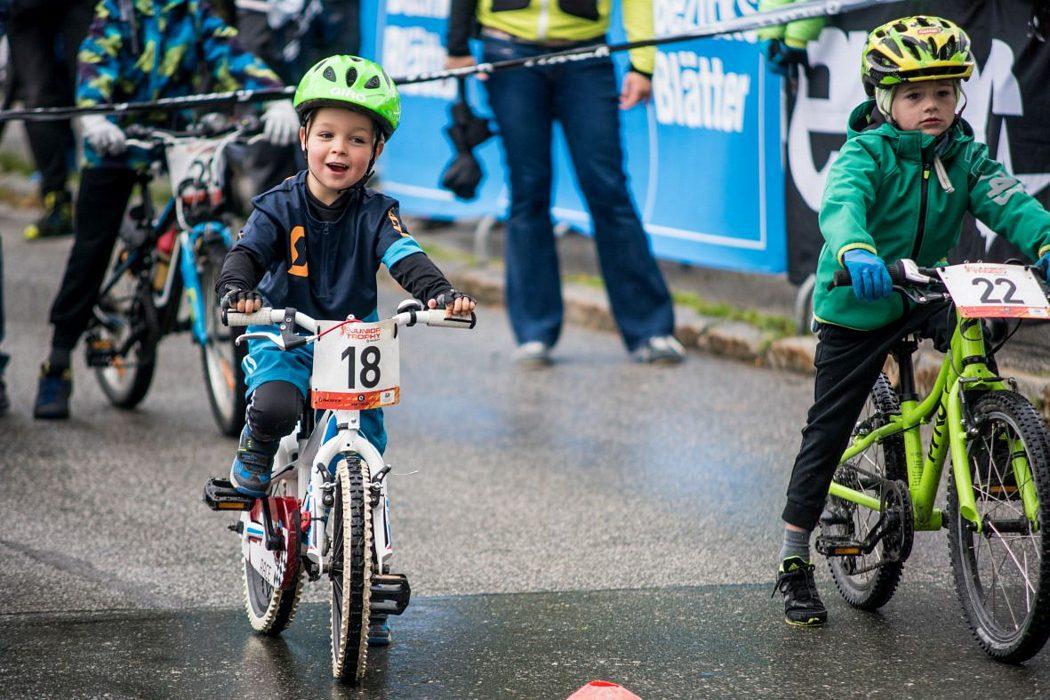 Biketember Festival: 15 year old Valentina Höll faster than European Champion