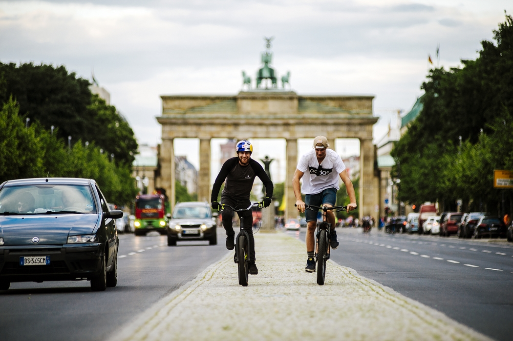 LederBROsen - Danny MacAskill and Martin Söderström do Germany