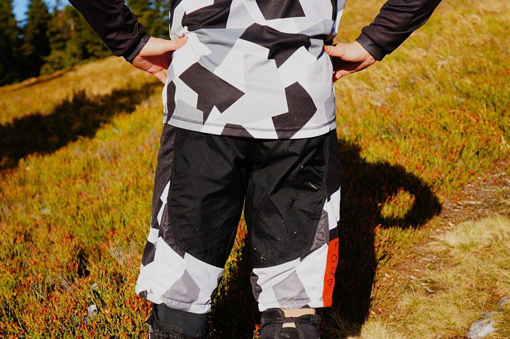 Miejski kamuflaż - zestaw FOOG bluza/szorty Urban Camo
